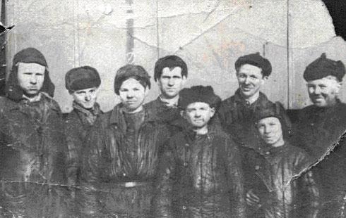 Слесари-вагонщики 1944г.